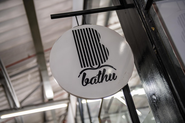 Bathu Shoes signage.
